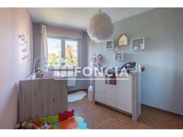 appartement 3 pi ces vendre strasbourg 67100. Black Bedroom Furniture Sets. Home Design Ideas