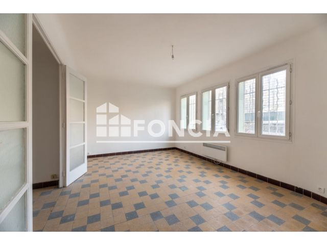 appartement 1 pi ce vendre marseille 4 me 13004 29 3 m2 foncia. Black Bedroom Furniture Sets. Home Design Ideas
