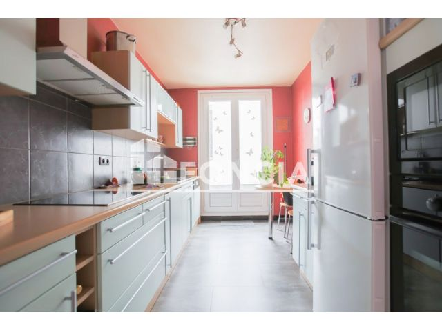 appartement 2 pi ces vendre clermont ferrand 63000. Black Bedroom Furniture Sets. Home Design Ideas