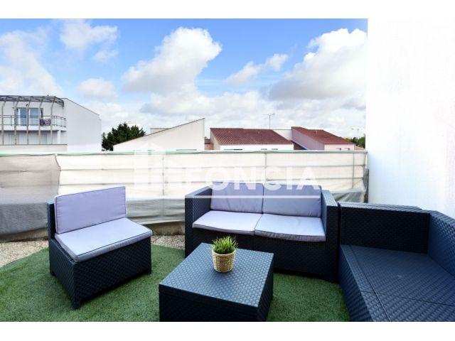 appartement 2 pi ces vendre la rochelle 17000 32. Black Bedroom Furniture Sets. Home Design Ideas