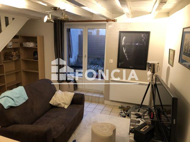 location appartement 2 pi ces 35 m bourgoin jallieu 38 387. Black Bedroom Furniture Sets. Home Design Ideas