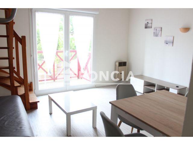 appartement meubl 2 pi ces louer la rochelle 17000 foncia. Black Bedroom Furniture Sets. Home Design Ideas