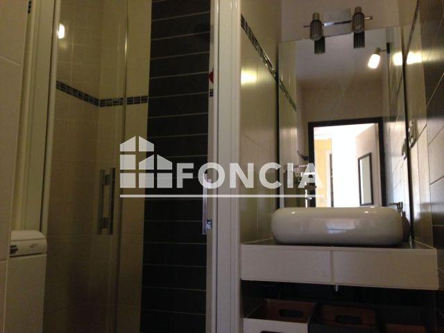 appartement meubl 2 pi ces louer hyeres 83400 foncia. Black Bedroom Furniture Sets. Home Design Ideas