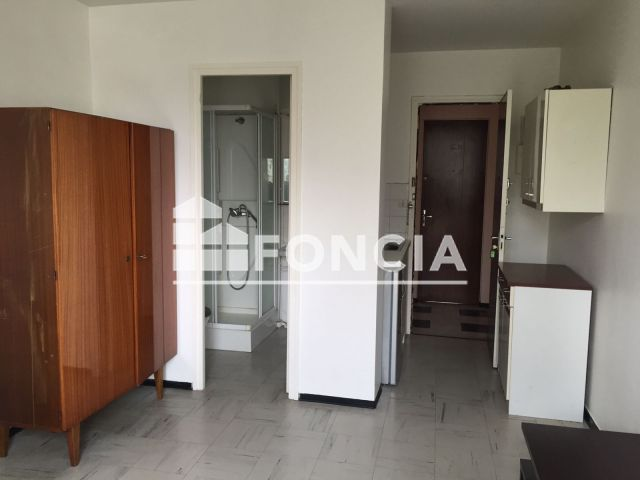 appartement meubl 1 pi ce louer agen 47000 foncia. Black Bedroom Furniture Sets. Home Design Ideas
