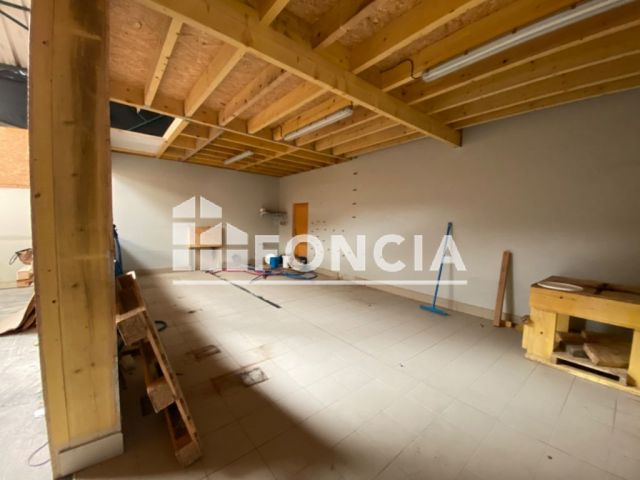 Immeuble à vendre, La Fleche (72200)