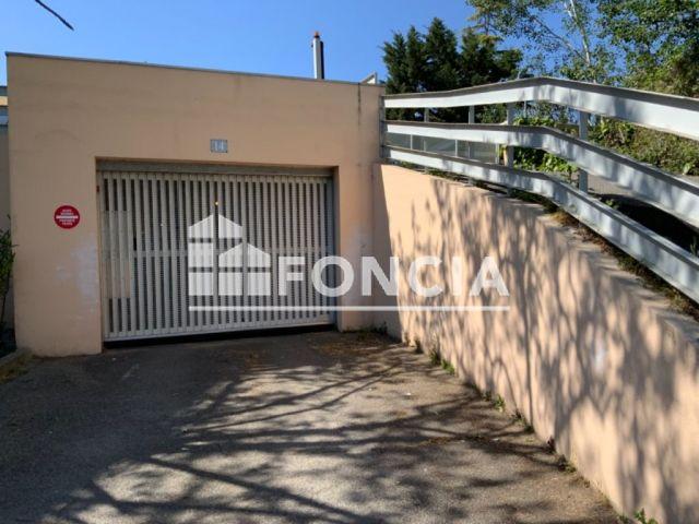 Parking à vendre sur Arles