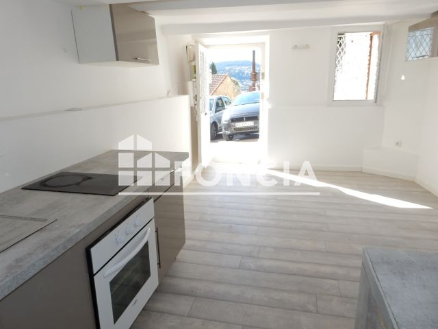 Appartement à louer, Hyeres Les Palmiers (83400)